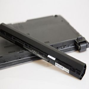 Fujitsu Siemens Notebook 14 Zoll Akkuaustausch exkl. Ersatzteil