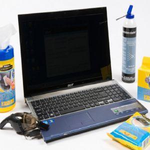 Fujitsu Siemens Notebook 17.3 Zoll Komplettreinigung